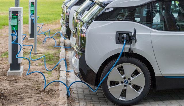 Stadt Leipzig stockt Elektroauto-Fuhrpark auf 80 BMW  i3 auf