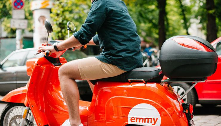 Emmy-Elektroroller-Sharing-Berlin-Schwalbe5