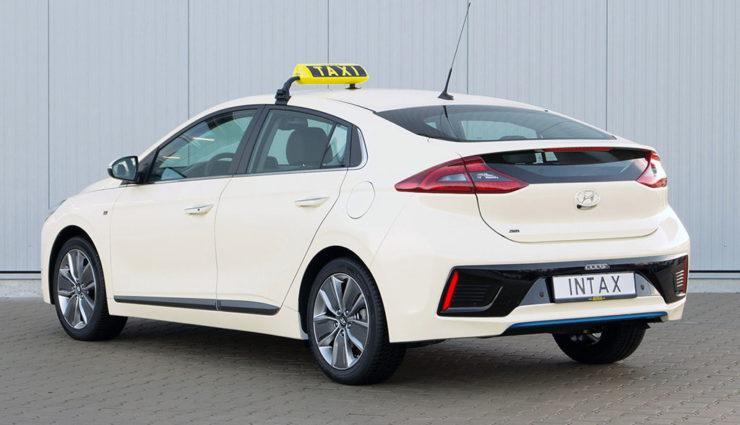 Hyundai-Ioniq-Hybrid-Taxi-4
