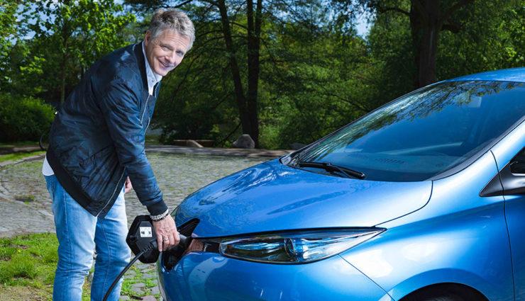 So sieht Renaults neue Elektroauto-Kampagne mit Pilawa & Co. aus