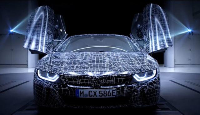 BMW-i8-Roadster-2018-Video