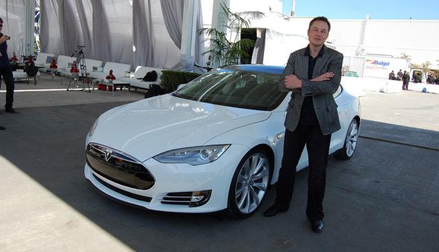 "Dudenhöffer: ""Elon Musk ist vielleicht größer als Steve Jobs"""