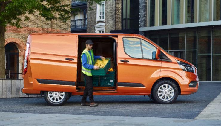 Ford-Transit-Custom-Plug-in-Hybrid-1