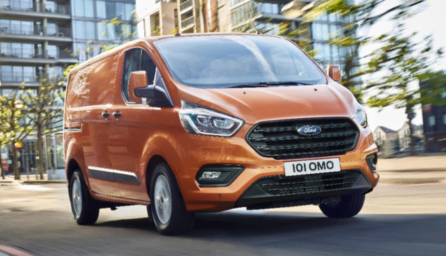 Ford-Transit-Custom-Plug-in-Hybrid-2
