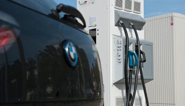 Neue Normen für bessere Elektroauto-Ladeinfrastruktur