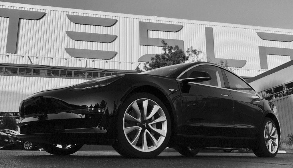 Tesla-Model-3-Juli-2017