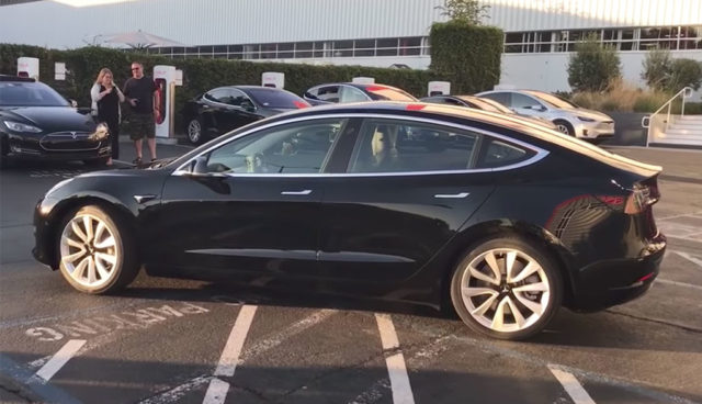Tesla Model 3: Erstes Video der Serienversion