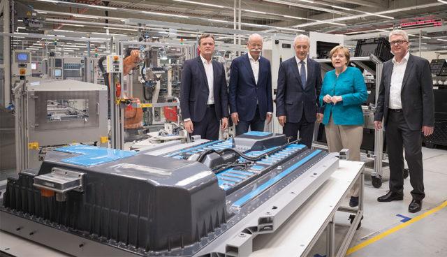 Merkel will sich nicht auf Elektroauto festlegen