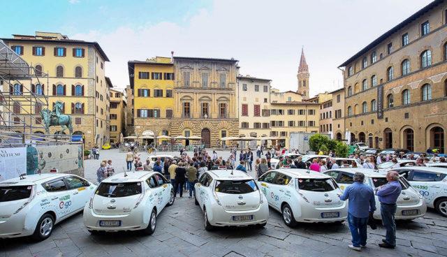 Nissan-LEAF-Florenz-Elektroauto-Taxi