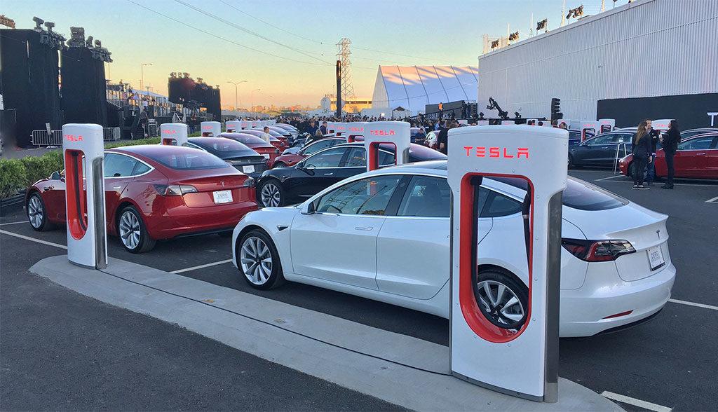 Tesla-Model-3-Produktionshochlauf-2017
