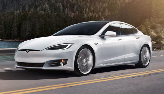 Tesla-Model-S-Hypermiling-Rekord-1078-Kilometer-2017
