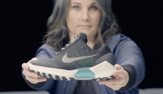 Tesla wirbt Entwicklerin von Nike ab