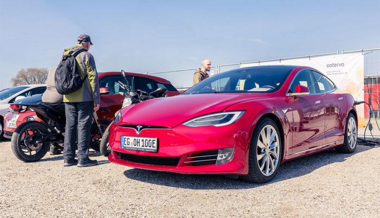 """Volkswagen-Chef: Tesla und Geely ab sofort auf interner """"Watchlist"""""""