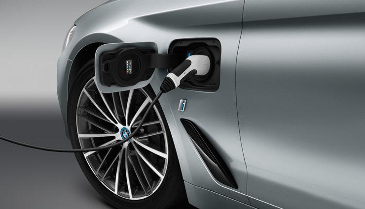 Erstmals mehr als 10.000 elektrifizierte Autos im Monat — BMW