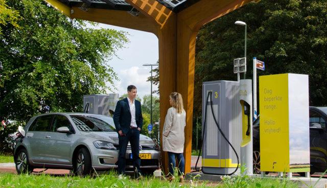 """Autocharge"": Fastned startet Elektroauto-Laden ohne Karte"
