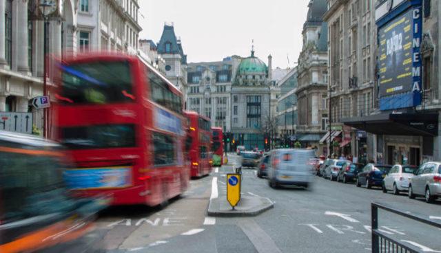 Großbritannien will Elektroautos und Selbstfahr-Technik stärker fördern