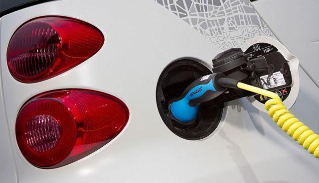 Smart-Elektroauto-Feuer