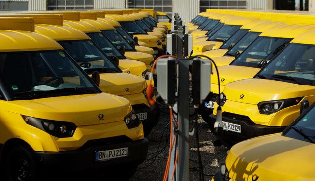 Post jetzt mit 5000 Elektroauto-Transportern von StreetScooter