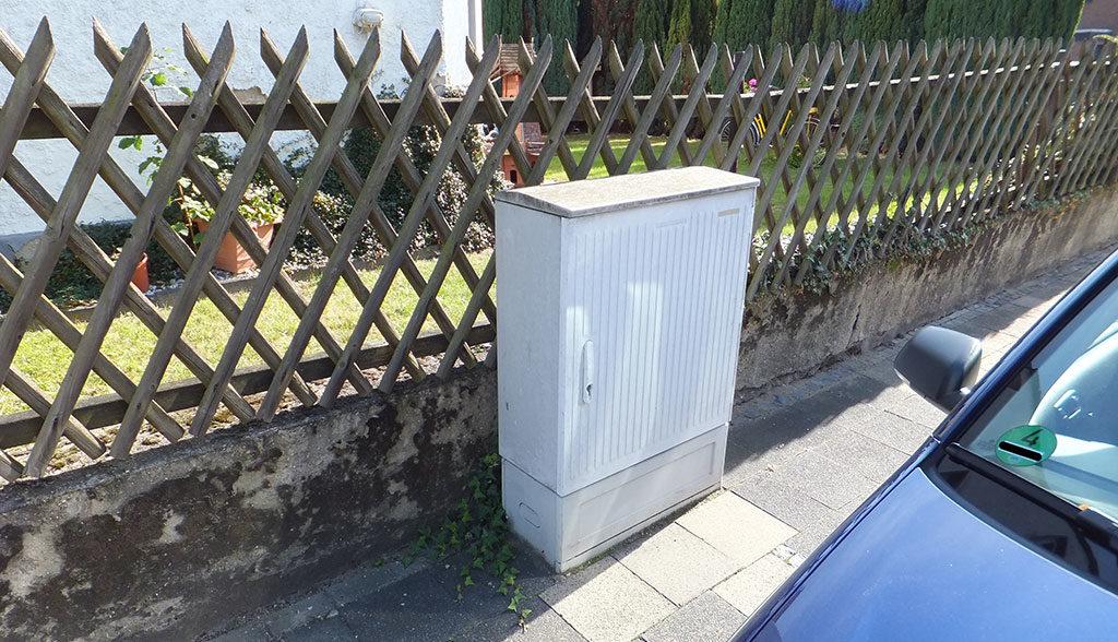 Telekom-Elektroauto-Ladestation-Kabelverzweiger