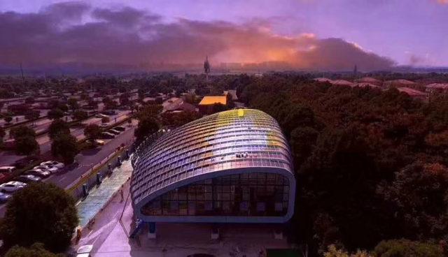 Shanghai erhält weltweit größtes Solar-Ladecenter für Elektroautos