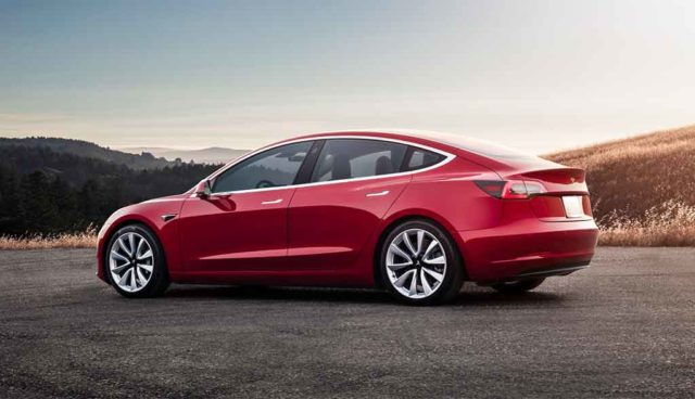 Tesla: Model-3-Hochlauf verzögert sich weiter, hohe Verluste trotz Rekordumsatz