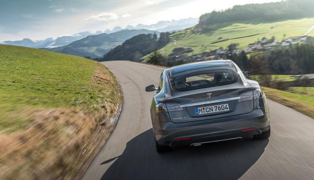 Streit um Elektroauto-Prämie: Tesla gibt Unterlassungserklärung ab