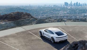 Porsche-Tesla-Elektroauto