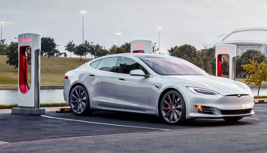Tesla-Supercharger-2017