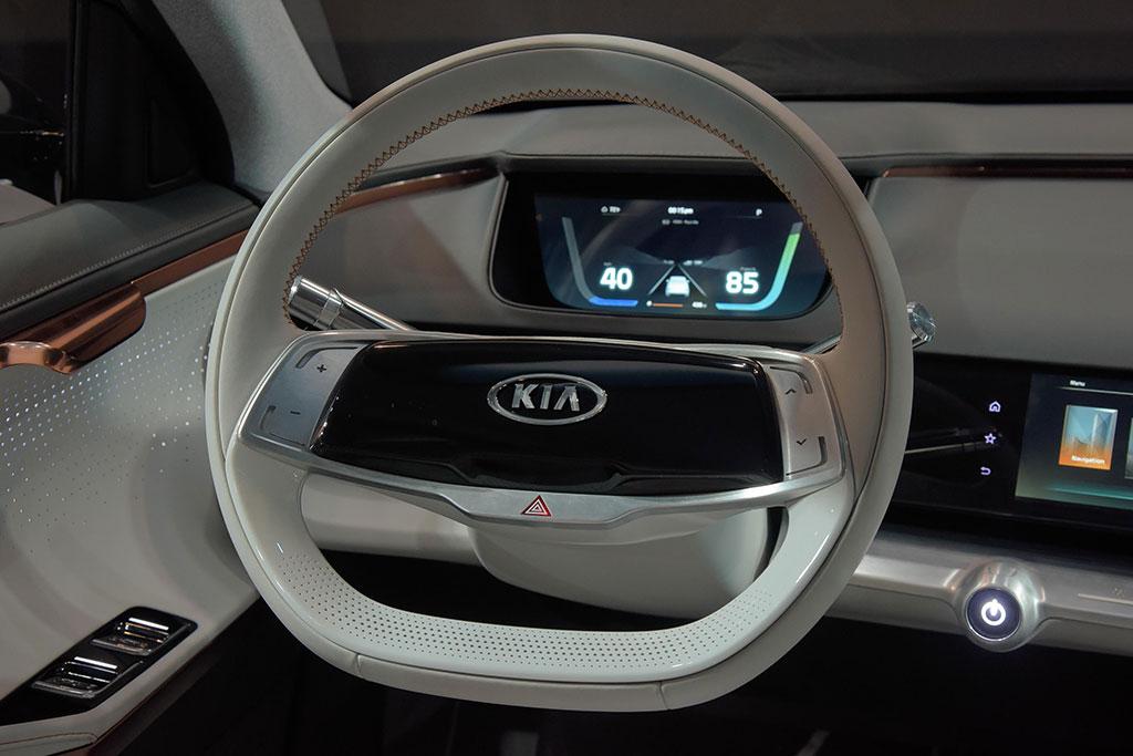 niro ev kia zeigt elektroauto mit 383 km reichweite. Black Bedroom Furniture Sets. Home Design Ideas