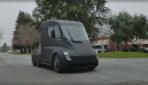 So sieht der Tesla Truck in freier Wildbahn aus