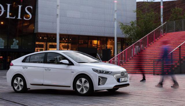 Lange Lieferzeiten: Hersteller von Elektroauto-Nachfrage überrascht