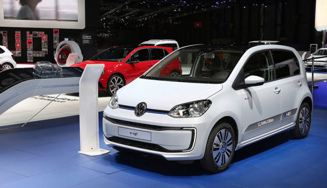 Experten-Befragung: Elektroautos brauchen verbindliche Vorgaben