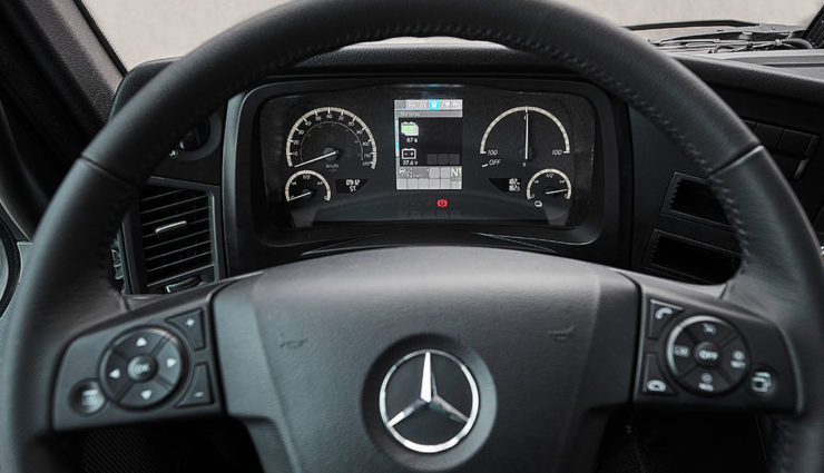 Mercedes-eActros–10