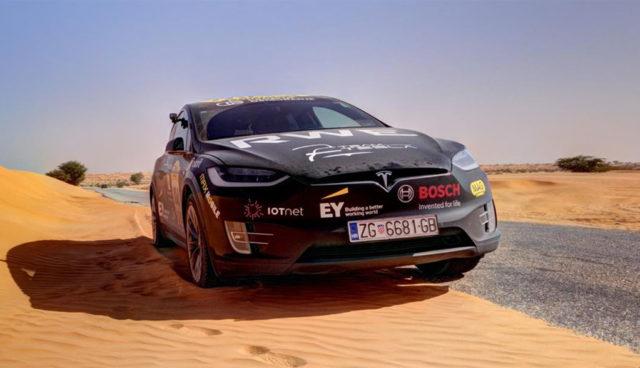 Tesla-Model-X-Wueste-Rally