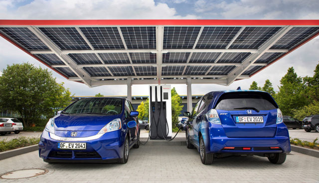 """Forscher planen """"Tankstelle der Zukunft"""" mit erneuerbarem Strom, Wasserstoff & Methan"""