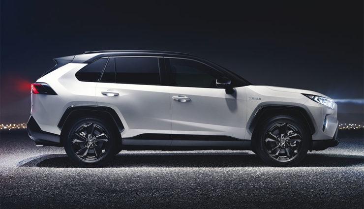 Toyota-RAV4-Hybrid-2018-3