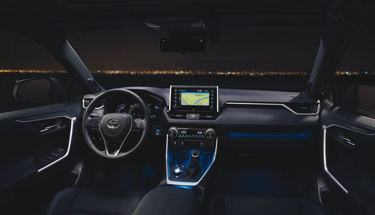 Toyota-RAV4-Hybrid-2018-4