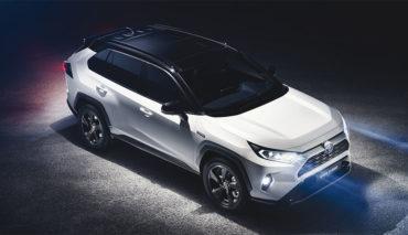 Toyota-RAV4-Hybrid-2018-5