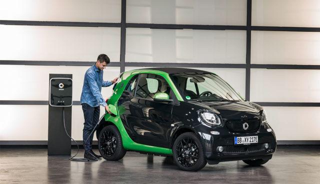 Daimler und Hubject ermöglichen Elektroauto-Laden ohne Karte oder App