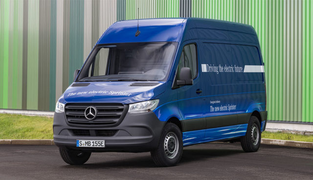 Mercedes-eSprinter-Elektro-Transporter-3