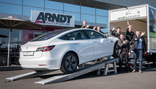 Ein Jahr vor dem Marktstart: Deutscher Autovermieter ergattert drei Tesla Model 3
