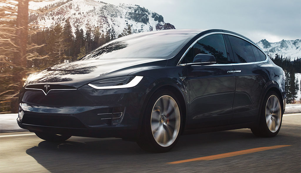 Tesla-Model-X-Unfall-Brand-Feuerwehr
