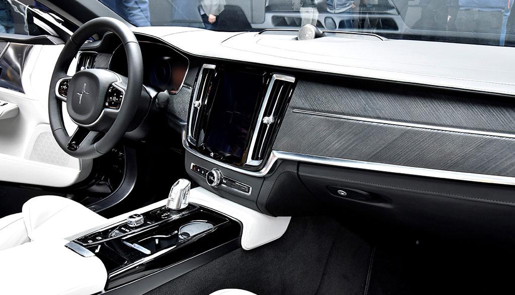 Volvo-Polestar-1-Innen