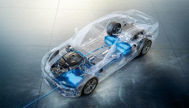 BMW: Kabelloses Laden geht in Serie
