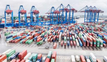 Hamburg–HHLA-Elekrtro-Container-Transport