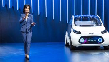 Smart-Chefin-Annette-Winkler-Elektroauto