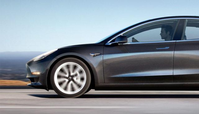 Tesla-Model-3-Bremsweg
