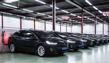 Tesla-Model-X-Amsterdam-Schiphol