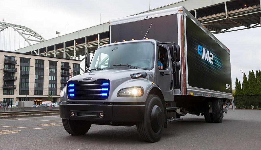 Freightliner-eM2