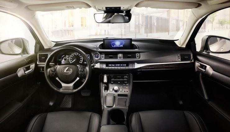 Lexus-CT-200h-2017-4